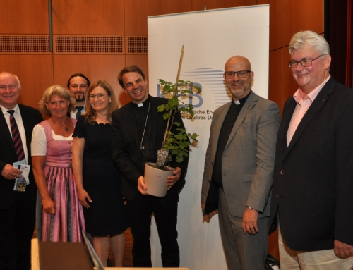 Bischof Oster als Gast der Hospizgruppe und der KEB
